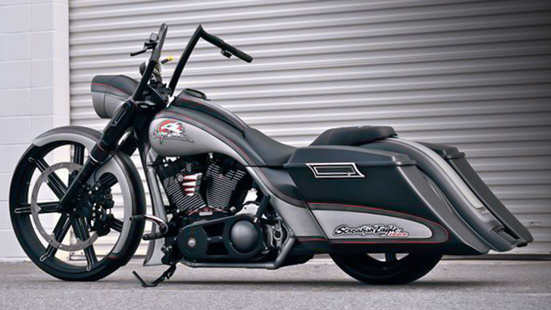 images/cruisers/bikes/Road-King-Screaming-Eagle.jpg